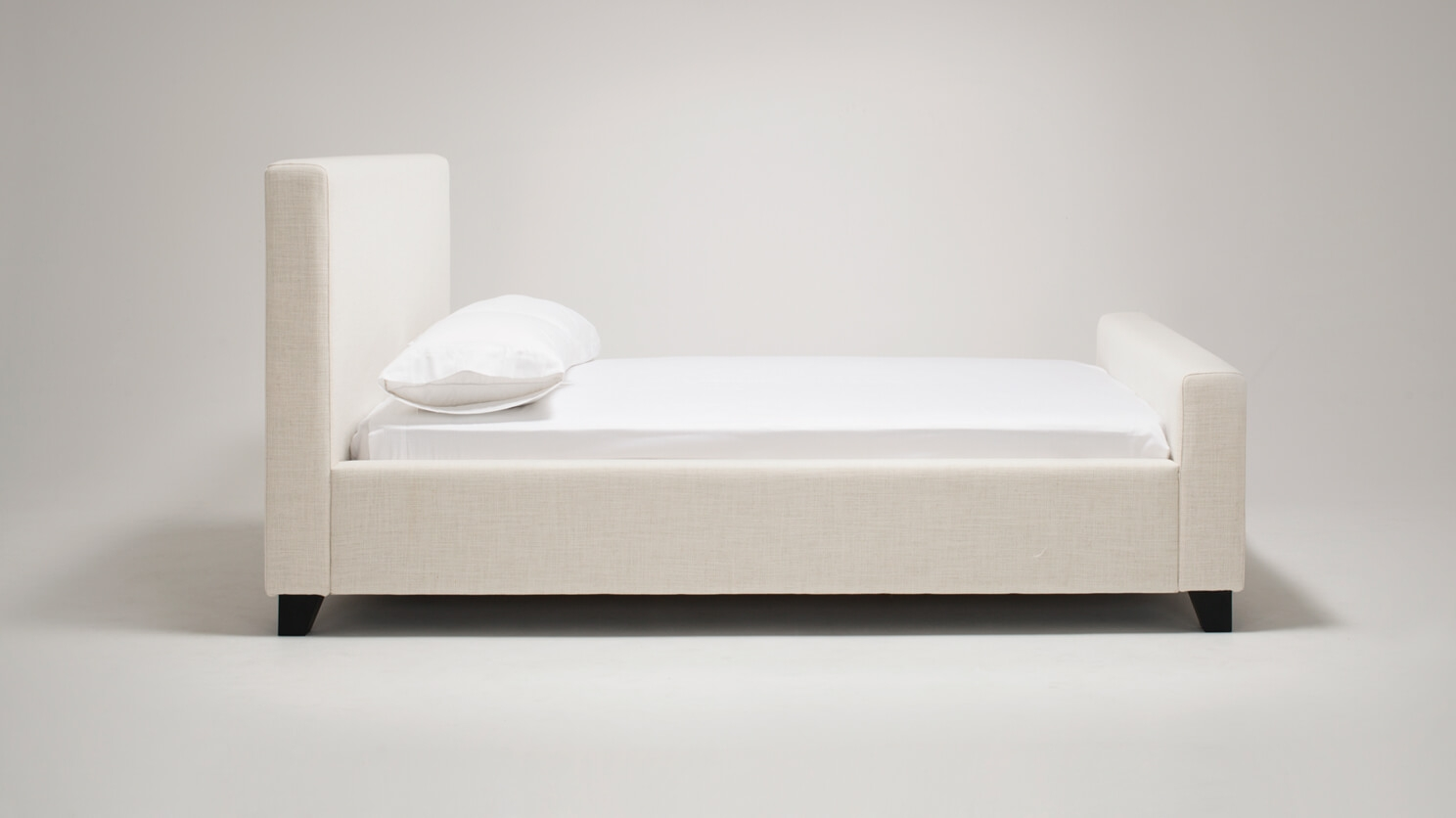 Saga Bed Fabric Eq3