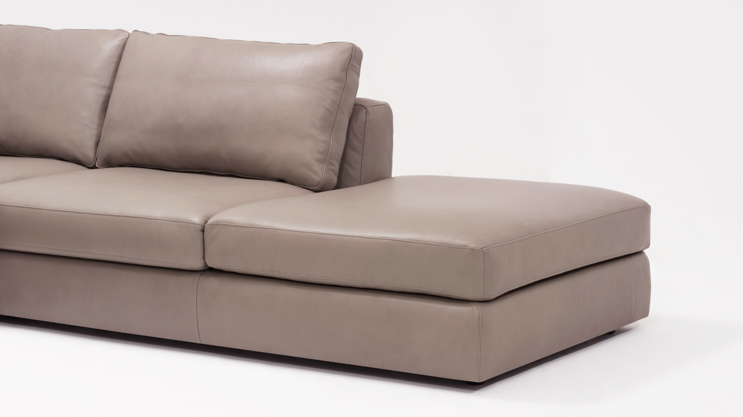 Etonnant Cello 3 Piece Sectional Sofa With Backless Chaise   Leather