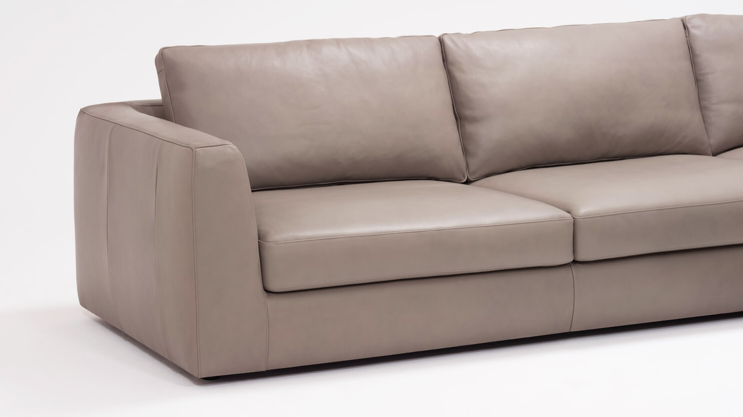 Cello 3 Piece Sectional Sofa With Backless Chaise   Leather