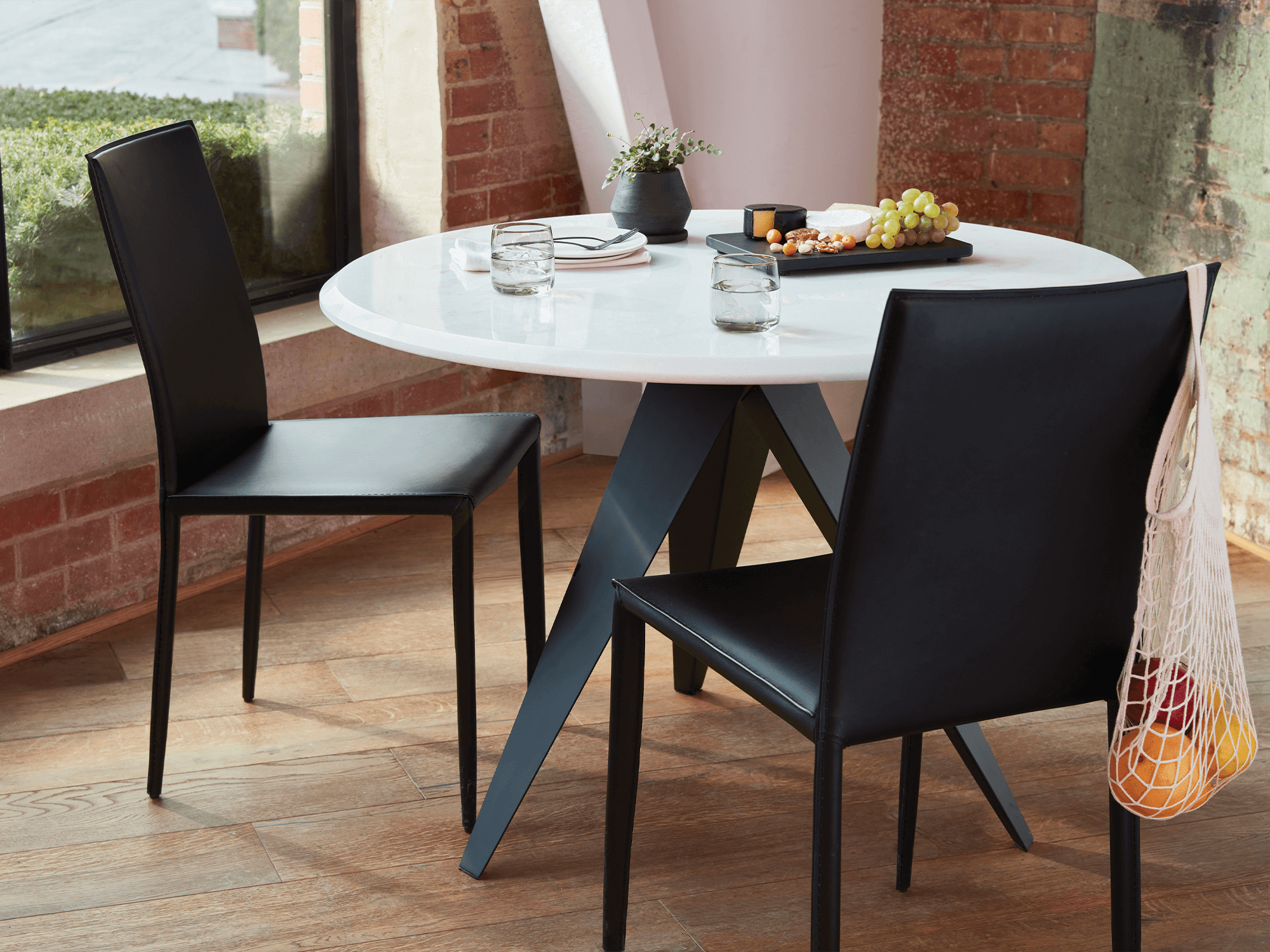Mesa Round Dinette Table Contemporary, Eq3 Dining Room Tables