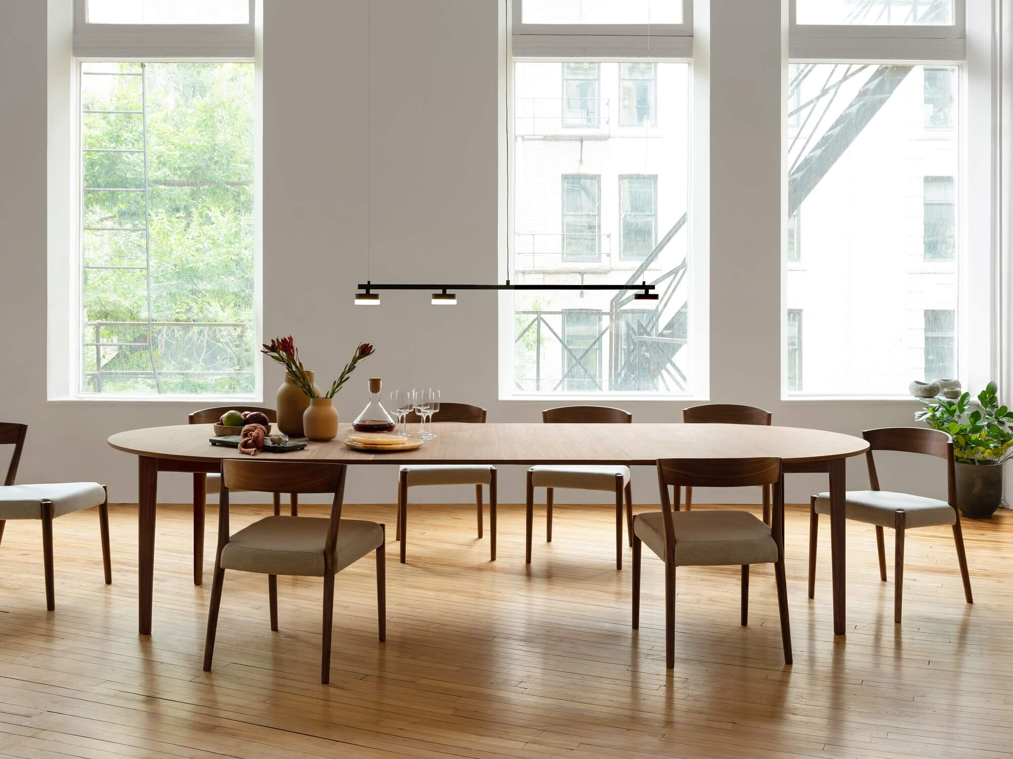 Ease Expandable Round Dining Table, Eq3 Dining Room Tables