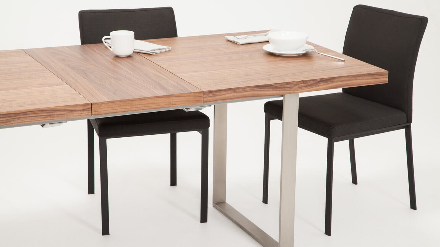 Hatch Dining Table Eq3, Eq3 Dining Room Tables