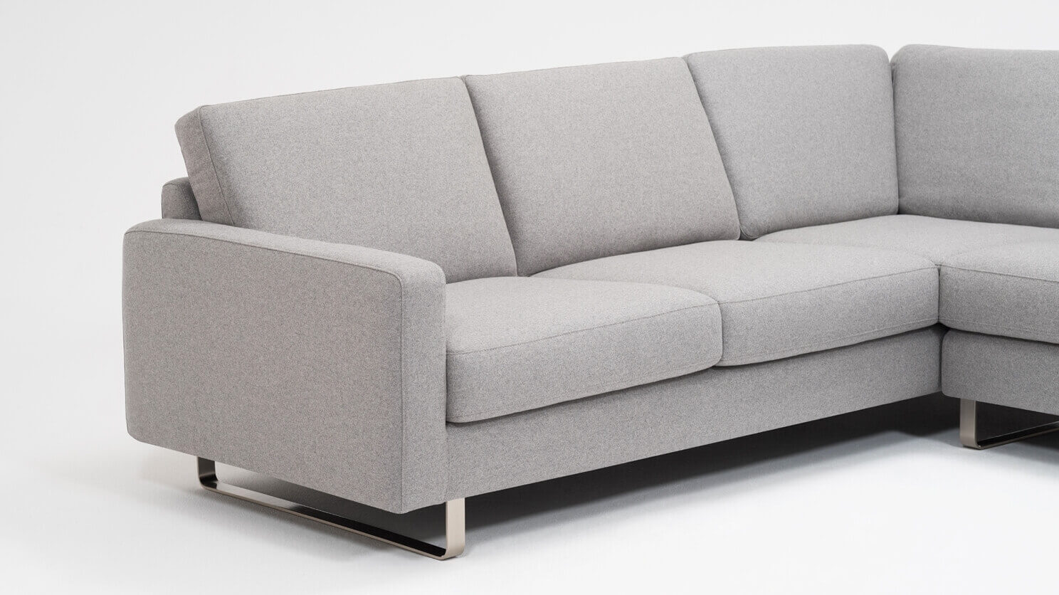 Oskar 2-Piece Sectional Sofa with Headrests